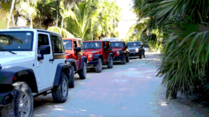 parallax-sian-kaan-en-jeep