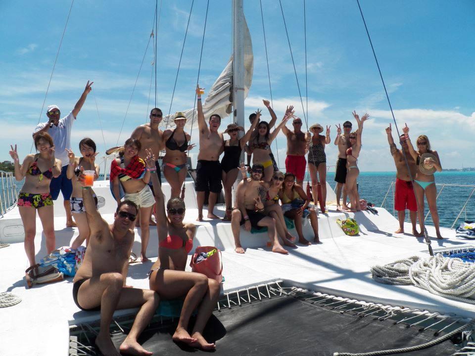 catamaran-isla-mujeres05