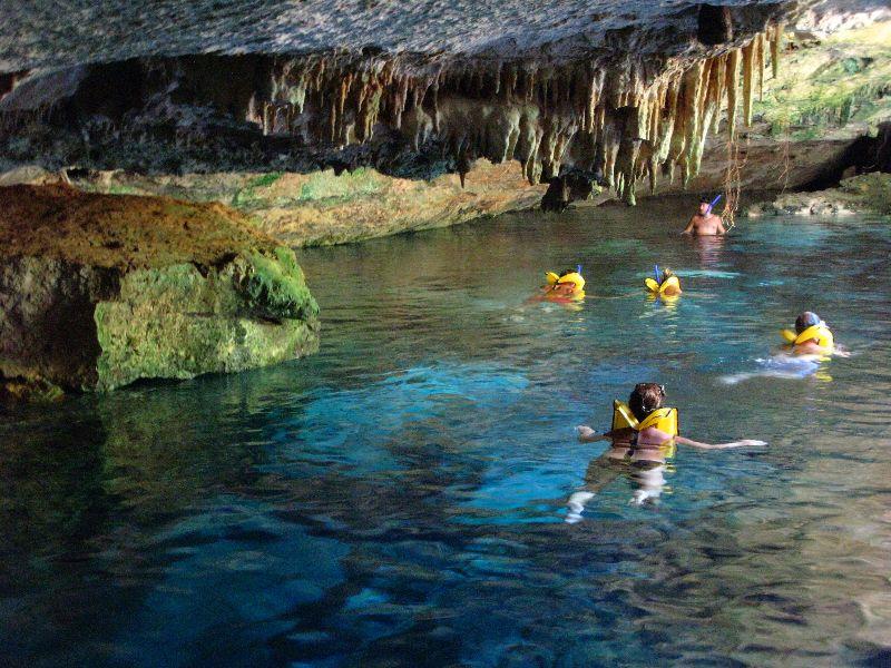 snorkeling-discovery-chikin-tortogas-akumal-cenotes