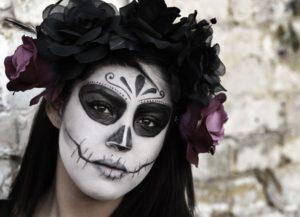 Muchas mujeres se disfrazan de catrina en la noche de los muertos
