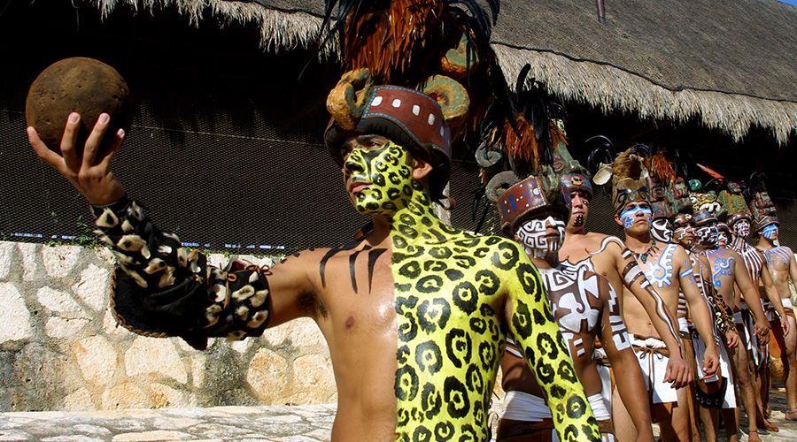jugadores de la pelota maya