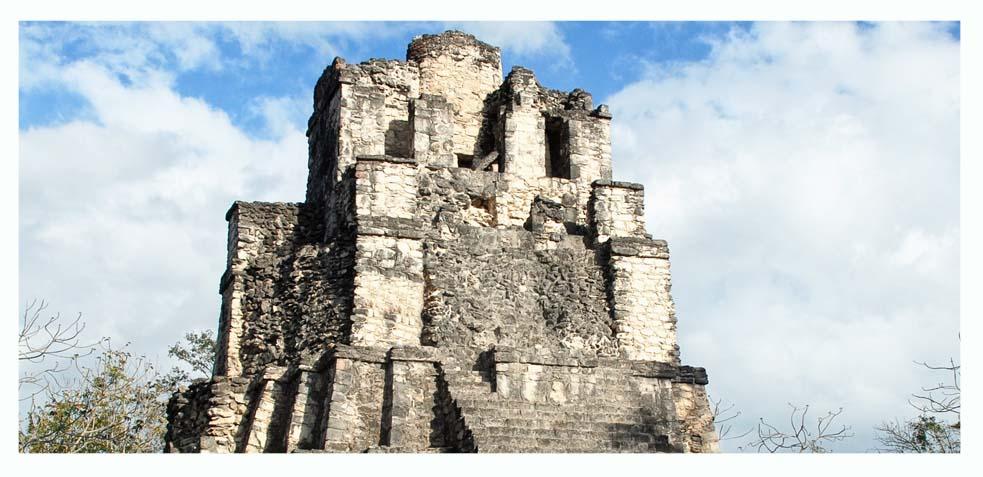 visita los restos de la cultura maya