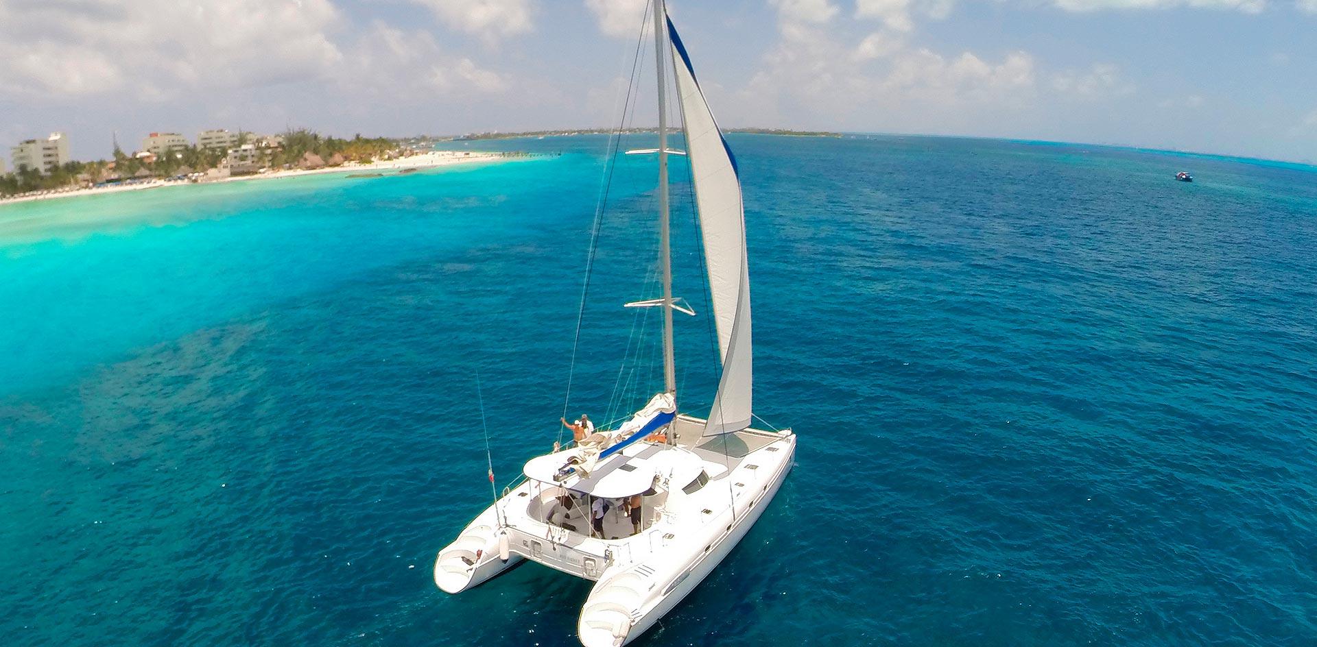 catamaran-isla-mujeres